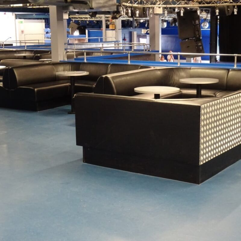 surrey-students-union-bar-seating